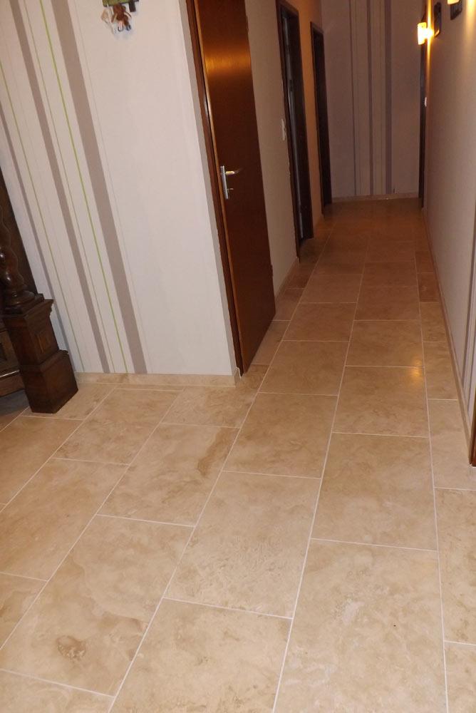 travertin hell gespachtelt und geschliffen fliesen aus stein. Black Bedroom Furniture Sets. Home Design Ideas
